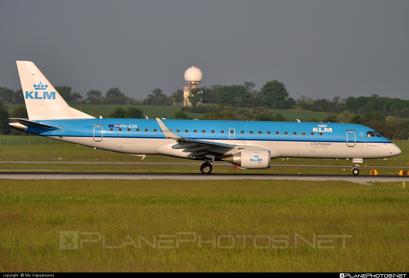 Embraer 190-100STD - PH-EZN operated by KLM Cityhopper #e190 #embraer #embraer190 #embraer190std #klm #klmcityhopper