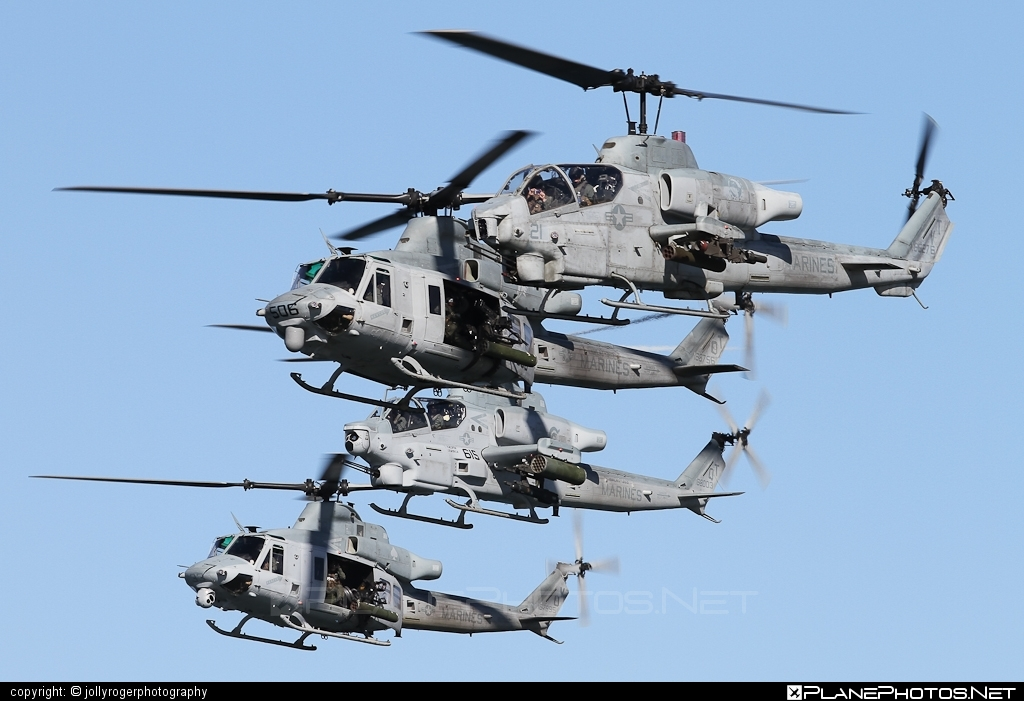 Bell AH-1W Super Cobra - 165276 operated by US Marine Corps (USMC) #bell #bellhelicopters