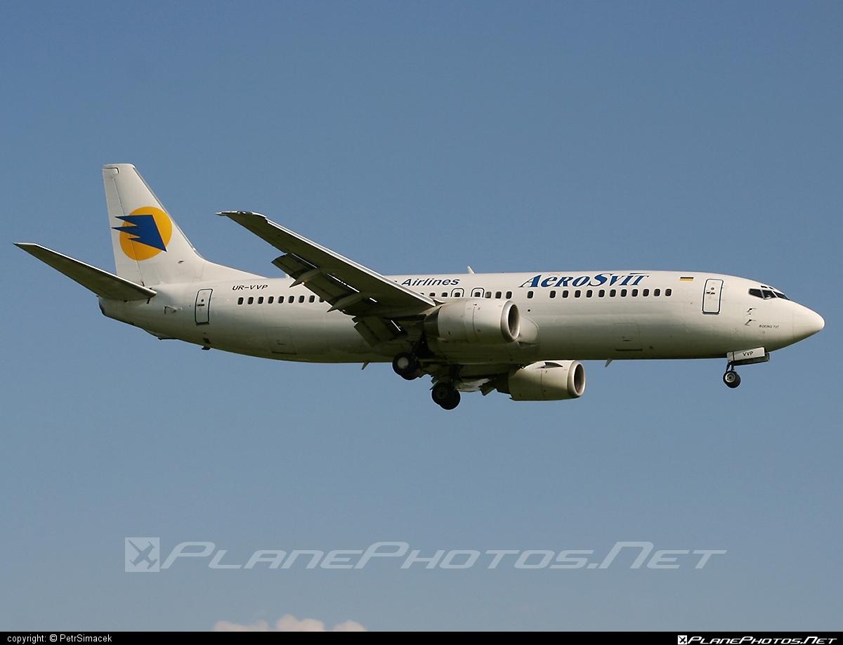 Boeing 737-400 - UR-VVP operated by AeroSvit Ukrainian Airlines #b737 #boeing #boeing737