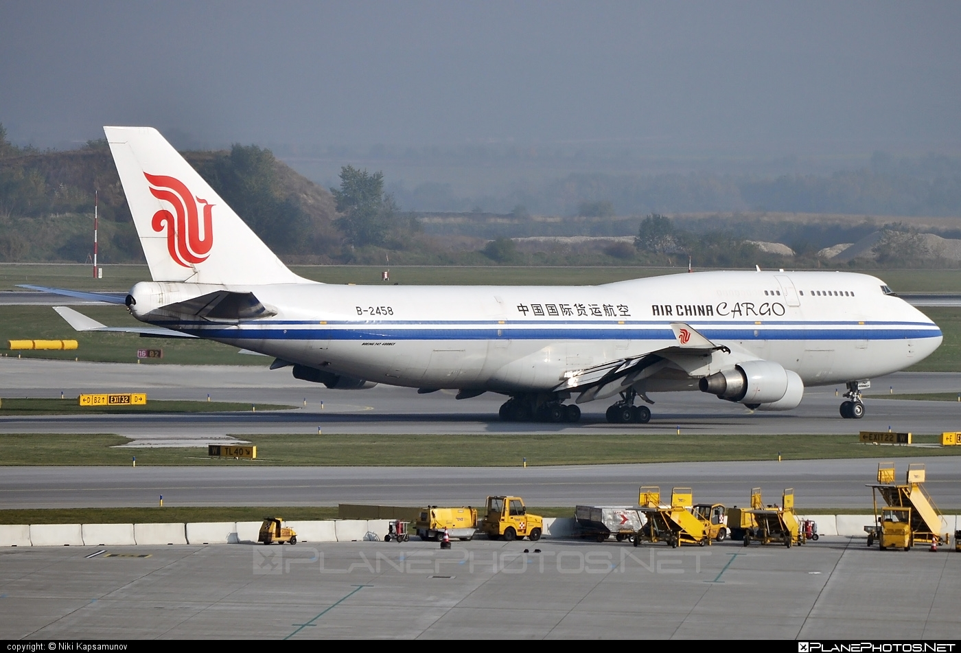 Boeing 747-400BCF - B-2458 operated by Air China Cargo #airchina #airchinacargo #b747 #b747bcf #boeing #boeing747 #boeingconvertedfreighter #jumbo