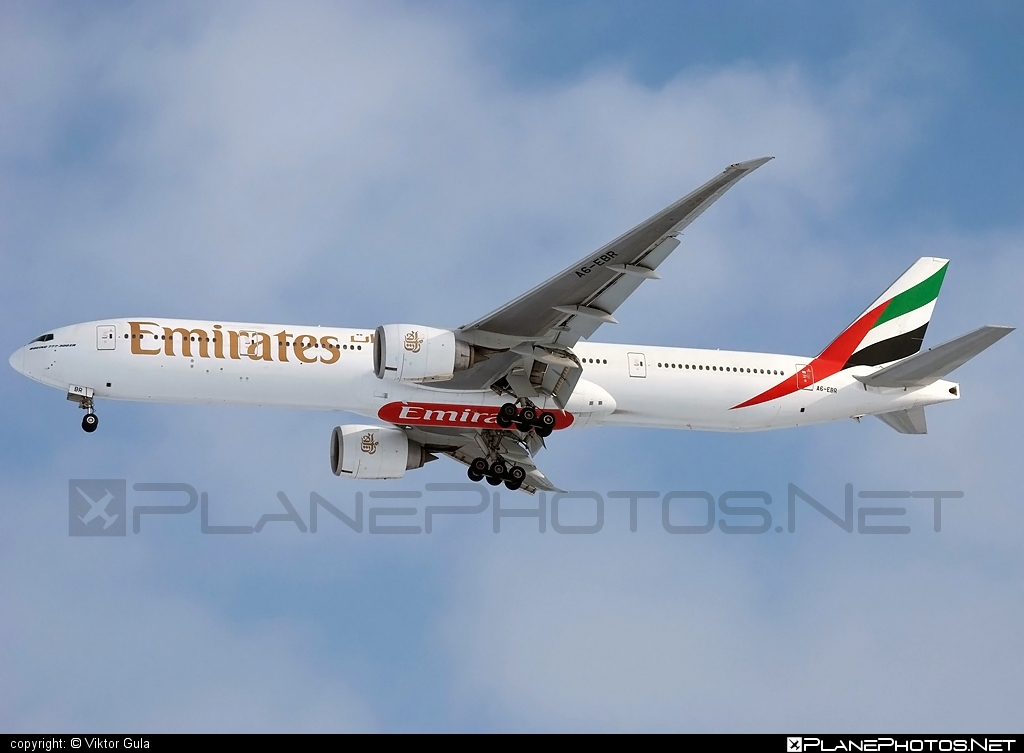 Boeing 777-300ER - A6-EBR operated by Emirates #b777 #b777er #boeing #boeing777 #emirates #tripleseven