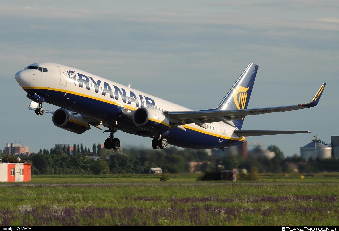 Ryanair Boeing 737-800 - EI-DLW #b737 #b737nextgen #b737ng #boeing #boeing737 #ryanair