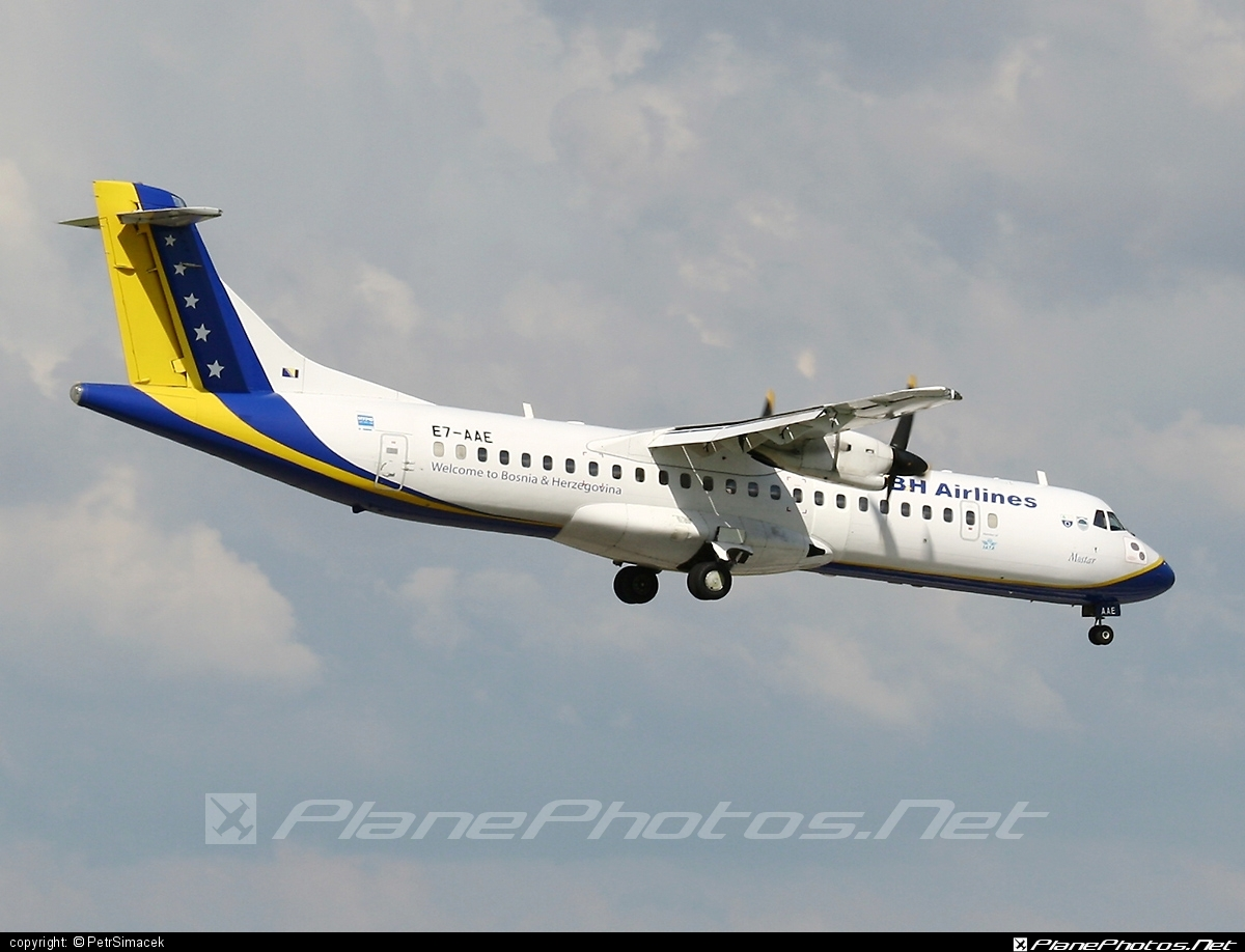 ATR 72-212 - E7-AAE operated by BH Airlines #atr