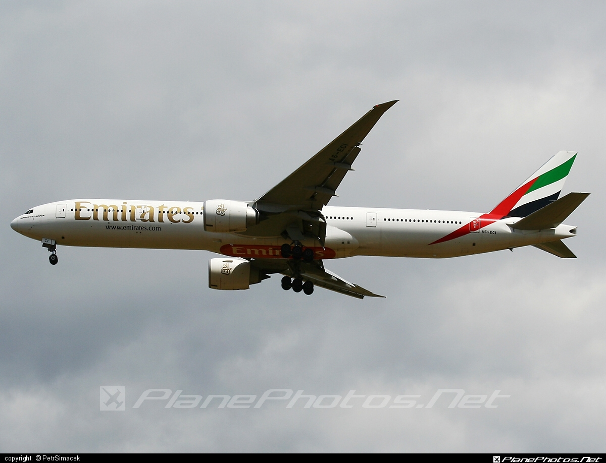 Boeing 777-300ER - A6-ECI operated by Emirates #b777 #b777er #boeing #boeing777 #emirates #tripleseven
